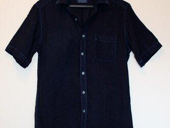 ◆天然灰汁発酵建て 本藍染め作品◆ 麻のボタンダウン半袖シャツ(Mサイズ)の画像