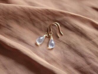 white light earringsの画像