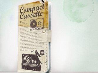 全機種対応 手帳型 スマホケース iPhoneXs iPhone9 おしゃれ カセットデープでミュージックの画像