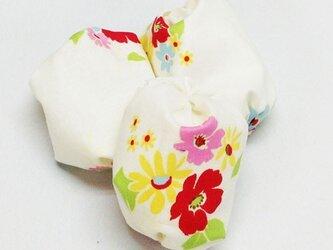 お手玉 花柄のたわら型6つセットの画像