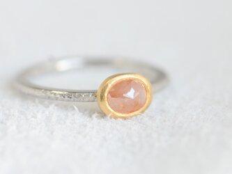 ナチュラルピーチピンクダイヤモンドのPt900/K22リング(小さいサイズ)の画像