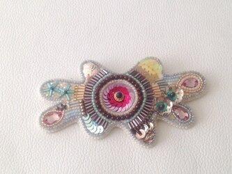 【ビーズ刺繍】ビーズアメーバーのブローチ 春色のの画像