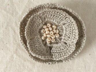 【受注生産】flower brooch C - ライトグレーの画像