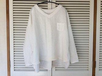 受注製作:やっぱり白いシャツ!リネンのVネックプルブラウスの画像