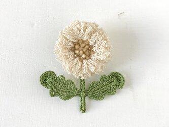 flower brooch B - オフホワイトの画像