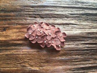 革花のスリーピン(花芯つき)  タマゴサイズ  サーモンピンクaの画像