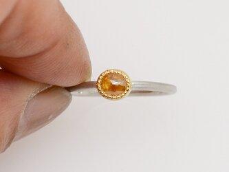 ナチュラルハニーカラーダイヤモンドのPt900-K22リングの画像