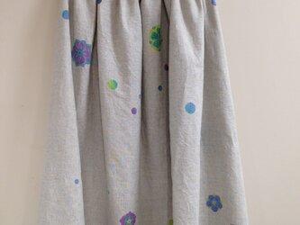 受注制作✳︎手描き染め✳︎花と水玉 差し色 リネンスカートの画像