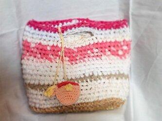 コットンと麻で裂き編みかごバックの画像
