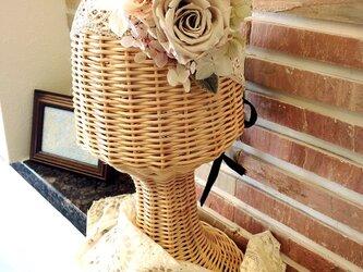 アンティークレースを使ったバラのヘッドドレスの画像