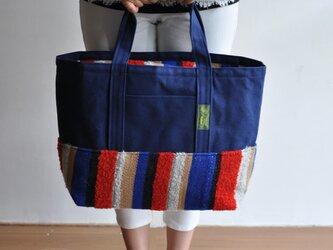 手織り布×帆布のトートバッグ(大きいサイズ) ーブルーと赤色ー ※一点物の画像