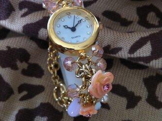 春からの時計の画像