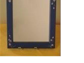 清楚なバラを手描きしたコンパクトな鏡の画像