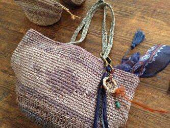 オルテガ風編み込みバケツトートバッグの画像