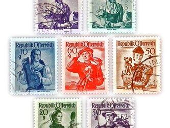 Vintageオーストリア 民族衣装の女性切手(Austria)DA-CO066の画像