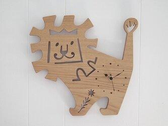 時計 ライオンの画像