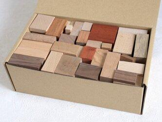 ランダム木切れ60ピースセットの画像