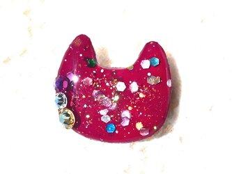 猫型ラメブローチボルドーの画像