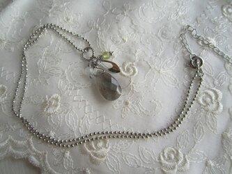 宝石質 ラブラドライトのネックレスの画像