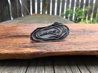 革花のブローチピン  金具3.5cm グレーbの画像