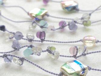 ライラックの絹糸ネックレスの画像