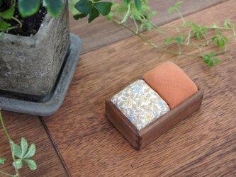 針山(ウォルナット/橙+うす茶小花)の画像