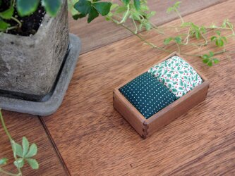 針山(ウォルナット/緑水玉+緑小花)の画像