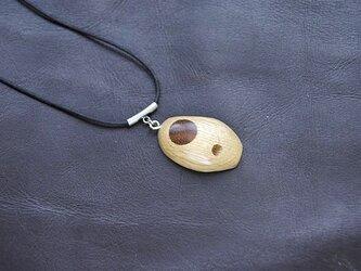 象嵌のネックレスの画像