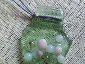 ガラスのボトル(ネックレス)ピンクの画像