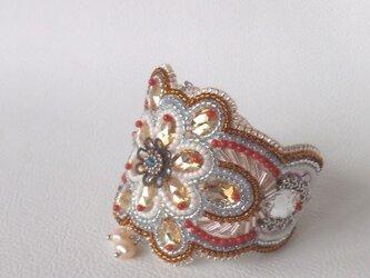 【ビーズ刺繍】スワロフスキーのマハラジャ風ブレスレットの画像