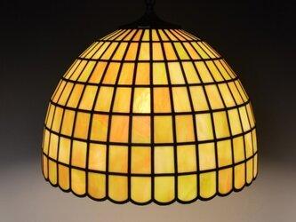 ウグイス色のランプシェードの画像