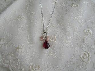 宝石質 プチロードライトガーネットのネックレスの画像
