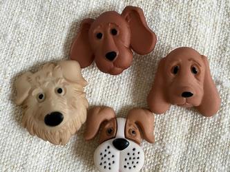 dog USA button 4匹の画像