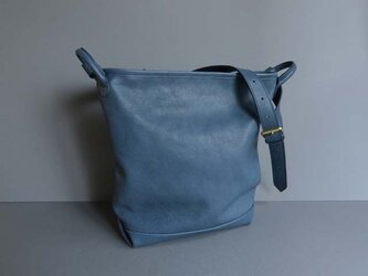 bucket shoulder bag (blue)の画像