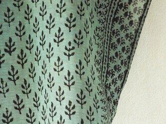 木版サリーで作った四角いブラウスの画像