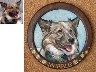 ペットの肖像レリーフ 背景付き(サークル型/オーダーメイド)の画像