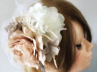 アンティークレースの髪飾り★造花★の画像