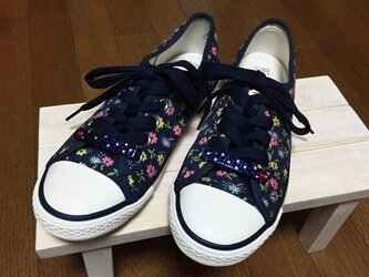 ドットとハートがキュート☆靴ひも飾り2個☆ネイビー☆スワロフスキー デコの画像