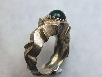 蔦模様のリングの画像