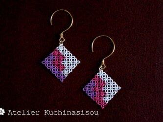 【受注製作】[手染め]タティングレースのモザイク・ピアス〈紫苑〉の画像