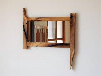 クルミの鏡の画像