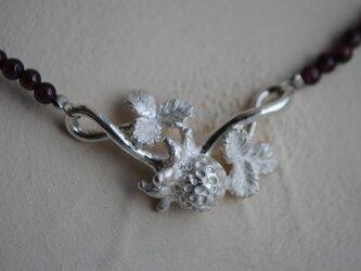 「t様オーダー品」野いちごガーネットネックレスの画像