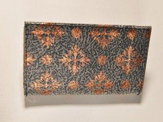 ギルディング和紙カードケース 西洋花紺地銅箔の画像