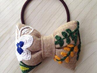 リボンのヘアゴム☆刺繍☆flowerの画像