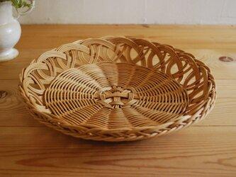 籐の皿の画像