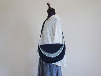 ともぞー様の水玉の三日月(ファスナー開けタイプ)の画像