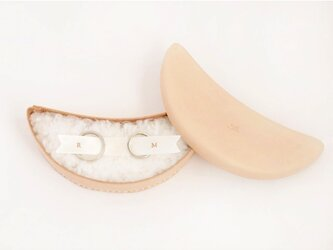 tsuntsun様専用 オーダー品 革のリングピロー(pillow_B)の画像