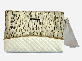 Bone×quilt clutch bagの画像