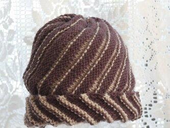 毛100% ななめ編みのニット帽子(茶色・ストライプ)の画像