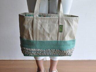 手織り布×帆布のトートバッグ(大きいサイズ) ーもこもこグリーン ※一点物の画像